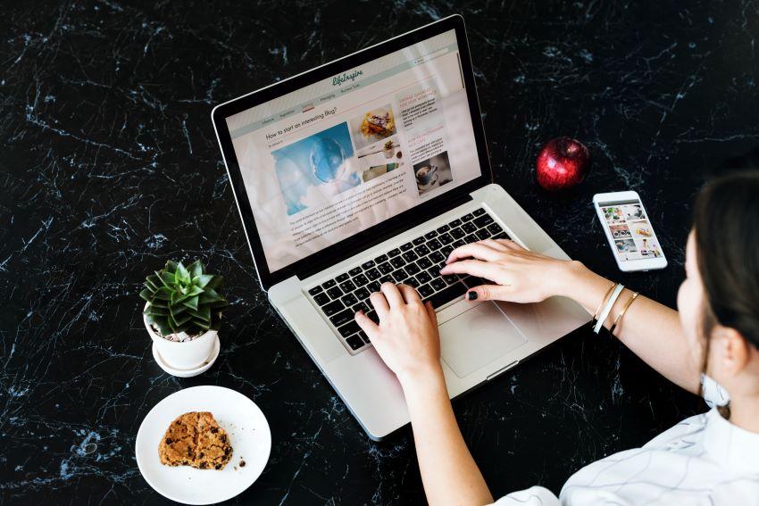 por que debes tener un blog dentro de tu web y plan de marketing la factoria grafica